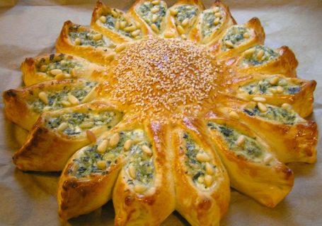 pikante sonne mit feta käse und spinat