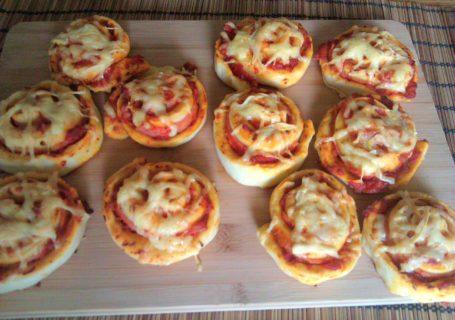 fertig gebackene pizzaschnecken