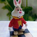 Das weiße Kaninchen aus Fondant Tortenfigur