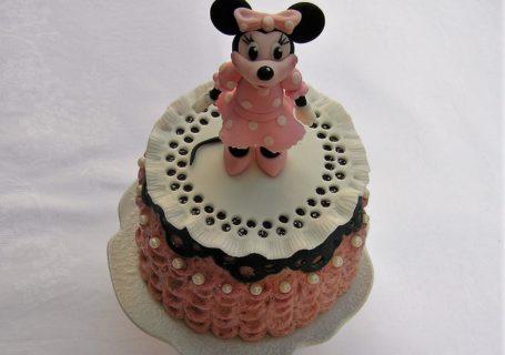 Minnie Maus Torte mit Erdbeermousse