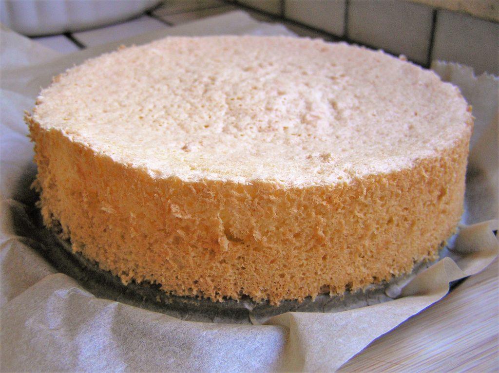 Biskuit ist luftig und gleichmäßig gebacken