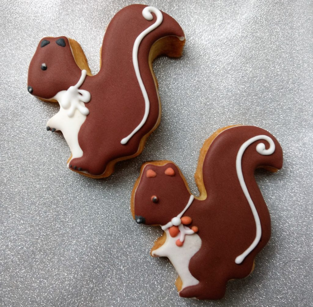 Eichhörnchen Butterplätzchen mit Zuckerguss verziert