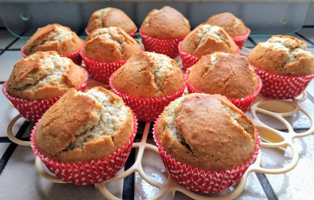 Mandel-Muffins abkühlen
