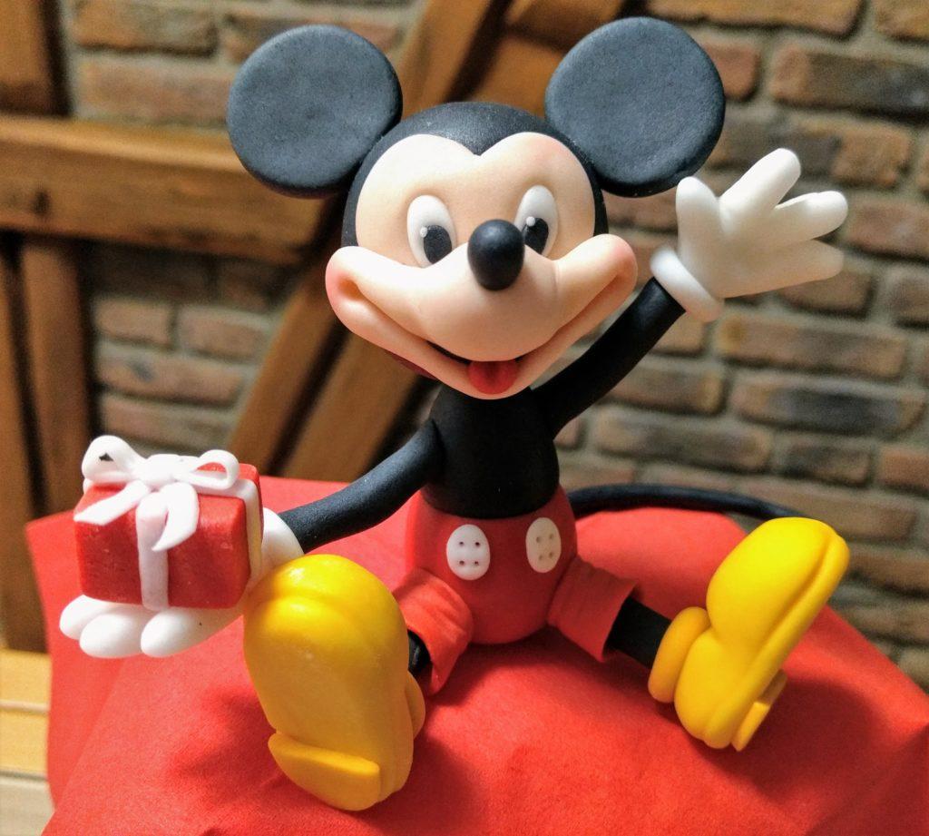 Micky Maus Fondant Figur mit Päckchen