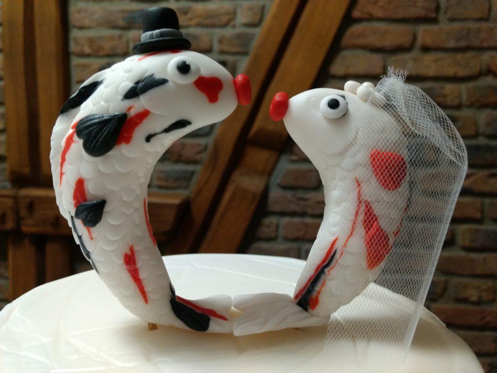 Tortenfiguren Kois Hochzeitstorte Fondant