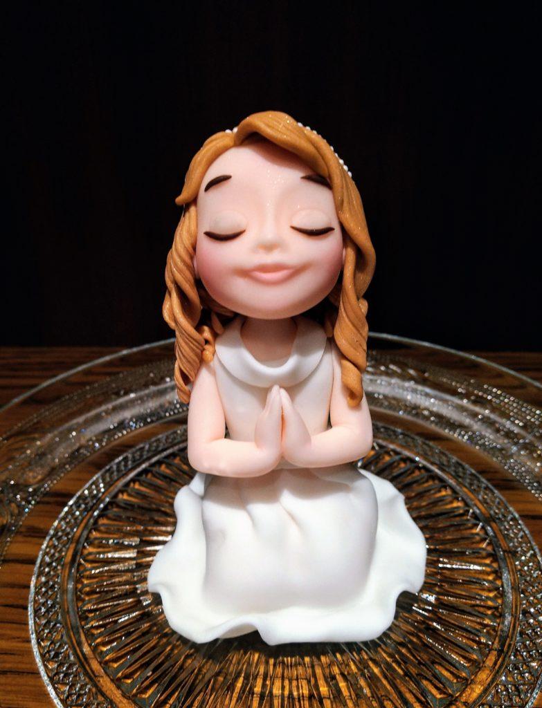 Betendes Mädchen, Kommunion Figur, Zuckerdeko.