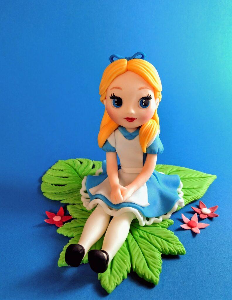 Alice im Wunderland Tortenfigur