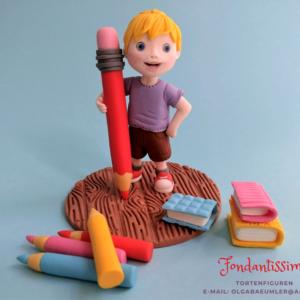 Tortenfigur Junge für die Einschulung